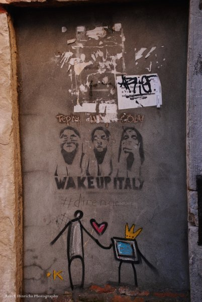 Expressing on the walls, Venice, Italy
